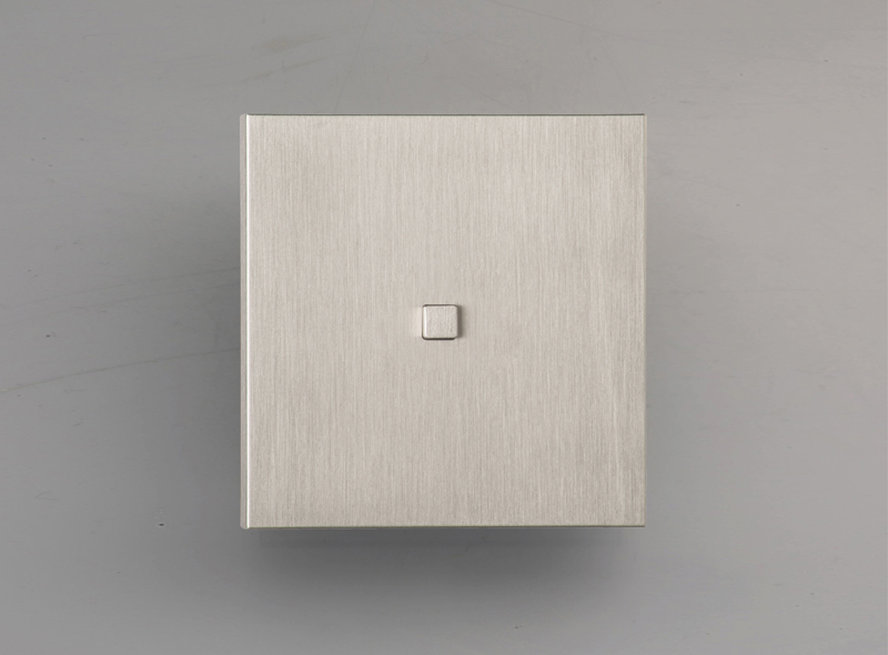 manhattan_luxonov_pushbutton_brushed-nickel_nb