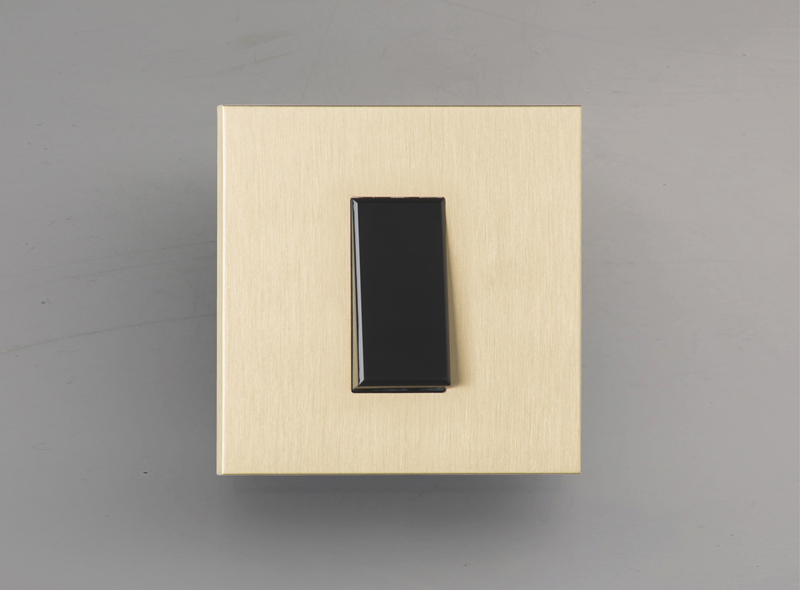 paris_luxonov_switch_brushed-brass_lb