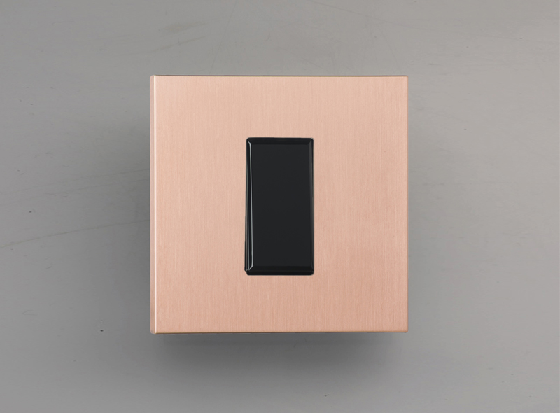 paris_luxonov_switch_brushed-copper_ro