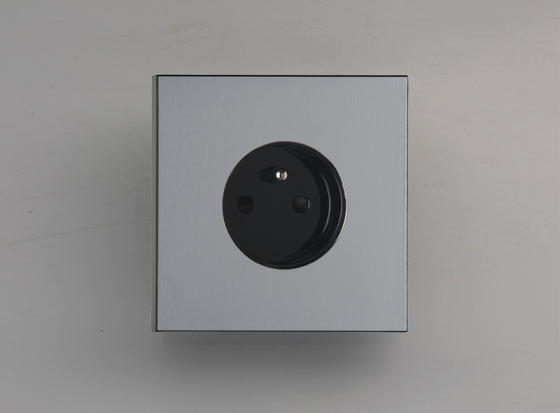 siam_luxonov_socket_grey-bronze_bz