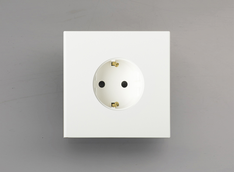 siam_luxonov_socket_lacquered-brass_ral
