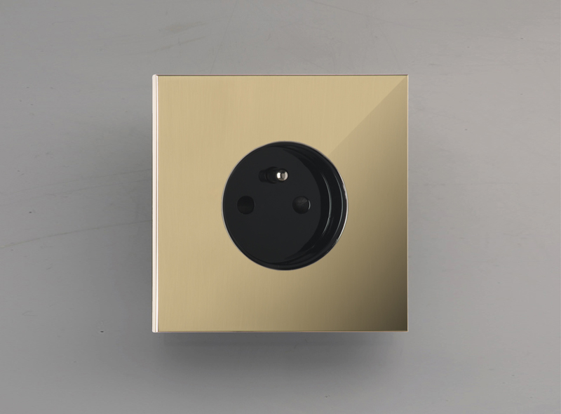 siam_luxonov_socket_mirror-brass_lm