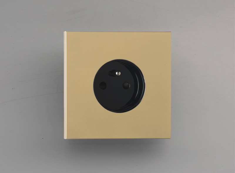 siam_luxonov_socket_satin-brass_ls