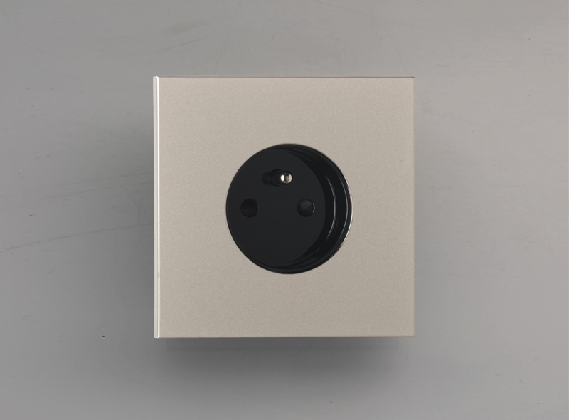 siam_luxonov_socket_satin-nickel_ns
