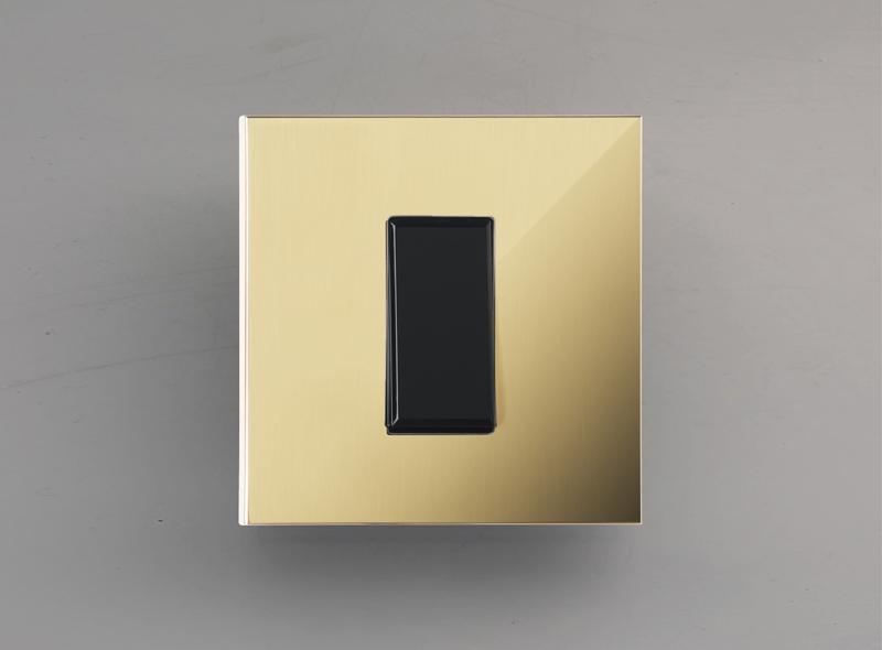 paris_luxonov_switch_24k-gold_or